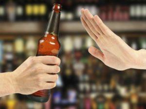 Cau el consum diari d'alcohol al 9,3%, la xifra més baixa des de 1995