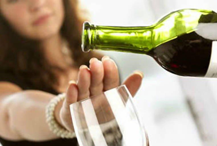 Éstos son algunos de los beneficios de dejar el alcohol