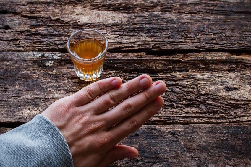 Cuidado con la ebriorexia, la peligrosa dieta del alcohol