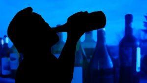 Per què l'alcohol estimula l'agressivitat?